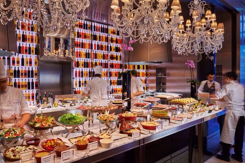 Brunch at la cuisine le royal monceau raffles paris for Restaurant le jardin royal monceau