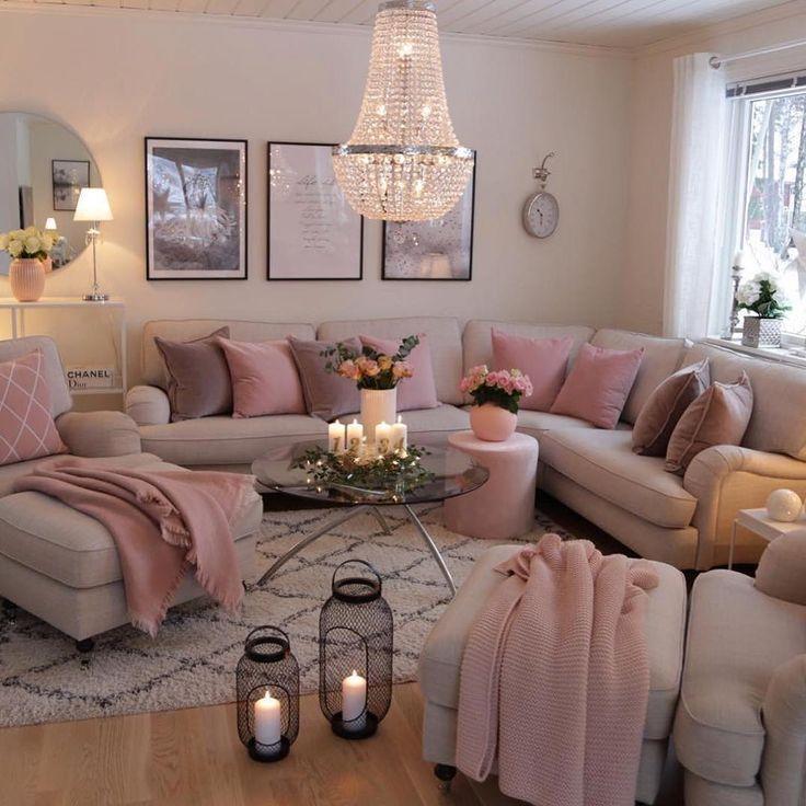 Das Bild kann Folgendes enthalten: sitzende Personen, Wohnzimmer, Tisch und Interieur #wohnzimmerideen