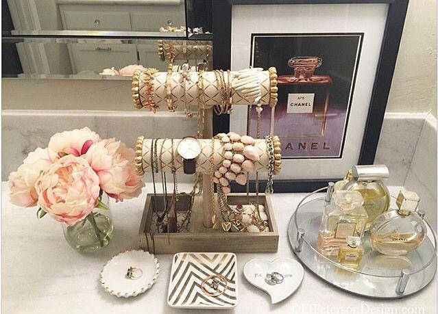 Jewelry set up