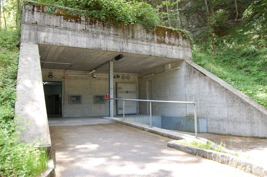 For Sale Only Northern Ireland Cold War Nuclear Bunker On Market - Take look inside incredible cold war era bunker buried 26 feet underground