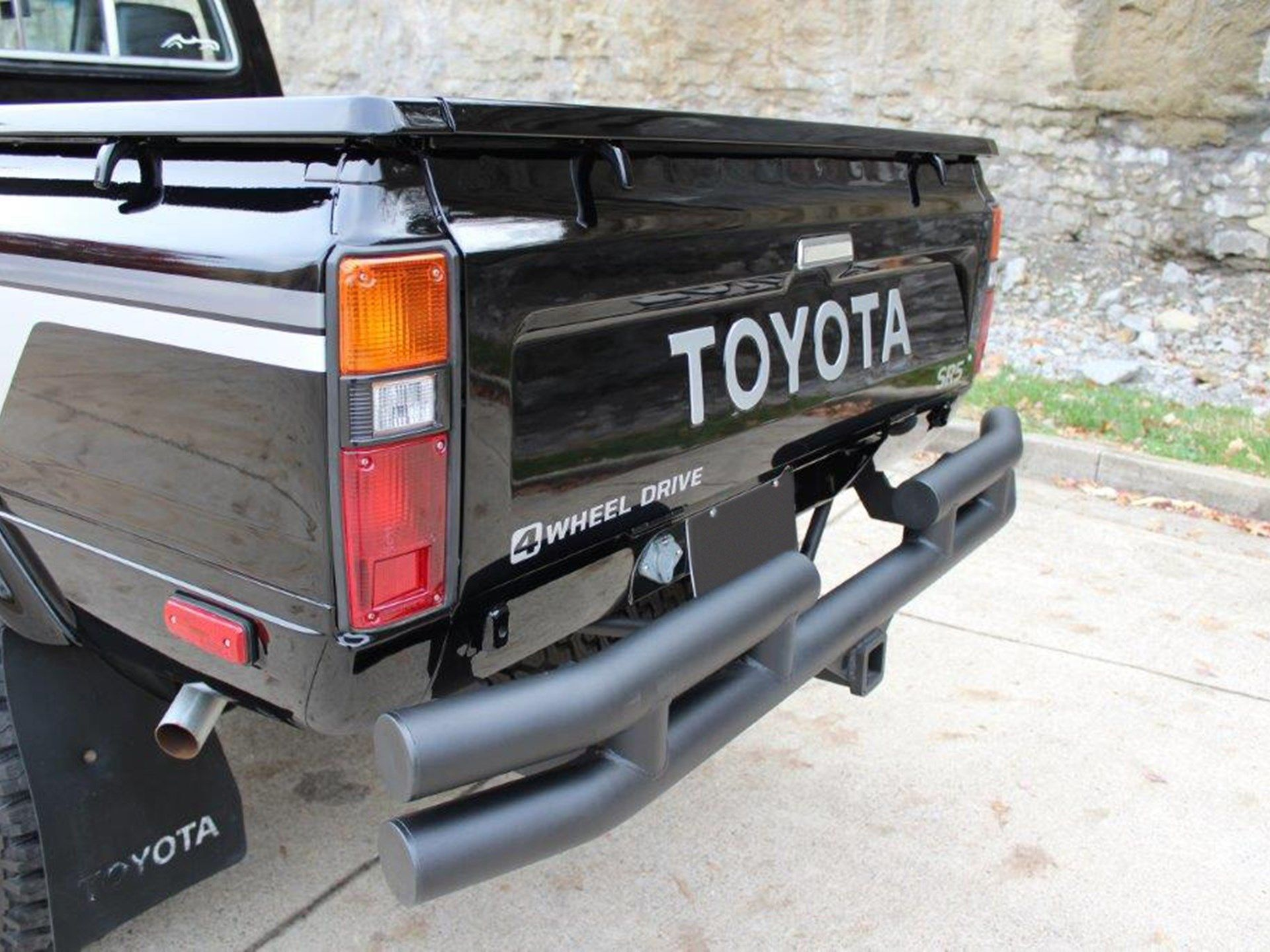 Rm Sotheby S 1981 Toyota Sr5 4x4 Pickup Palm Beach 2020 In 2020 Toyota Toyota Wheels Palm Beach