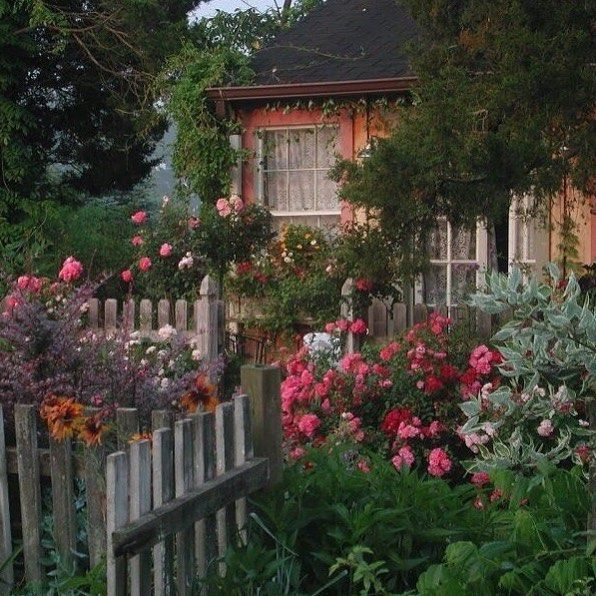 cottage core | Garden, House, Coastal bedrooms