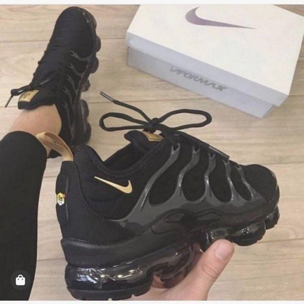 air max vapormax black and gold
