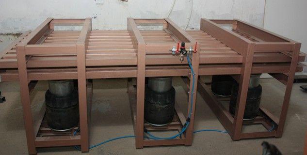 Пресс пневматический мебельный модель П 27-10. Для наклейки пластика, шпона.