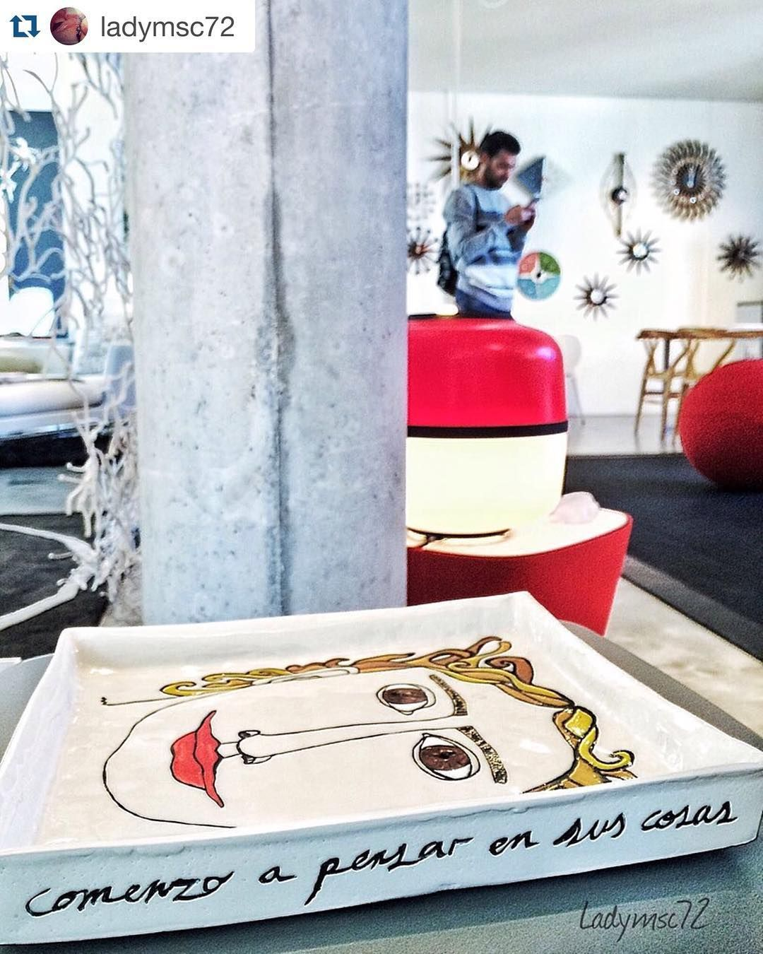 Gracias por la foto @ladymsc72 tiene unos colores preciosos .  #arq #showroom #pepecabrera #pepecabrerastudio #denia #design #interiordesign #architecture #inspiration #arquitectura #decor #designer #homedecor #style #home #decoracion #vsco #interiorismo #vscocam #archilovers #uberkreative #myoklatyle #dinesen #styling #furniture #igersvalencia #styleatmine