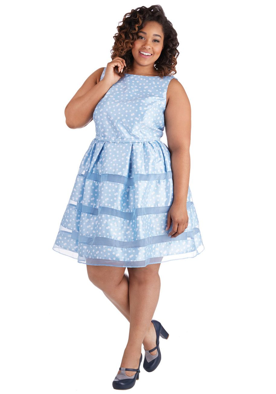 Dinner party darling dress in blue bubbles plus size modcloth