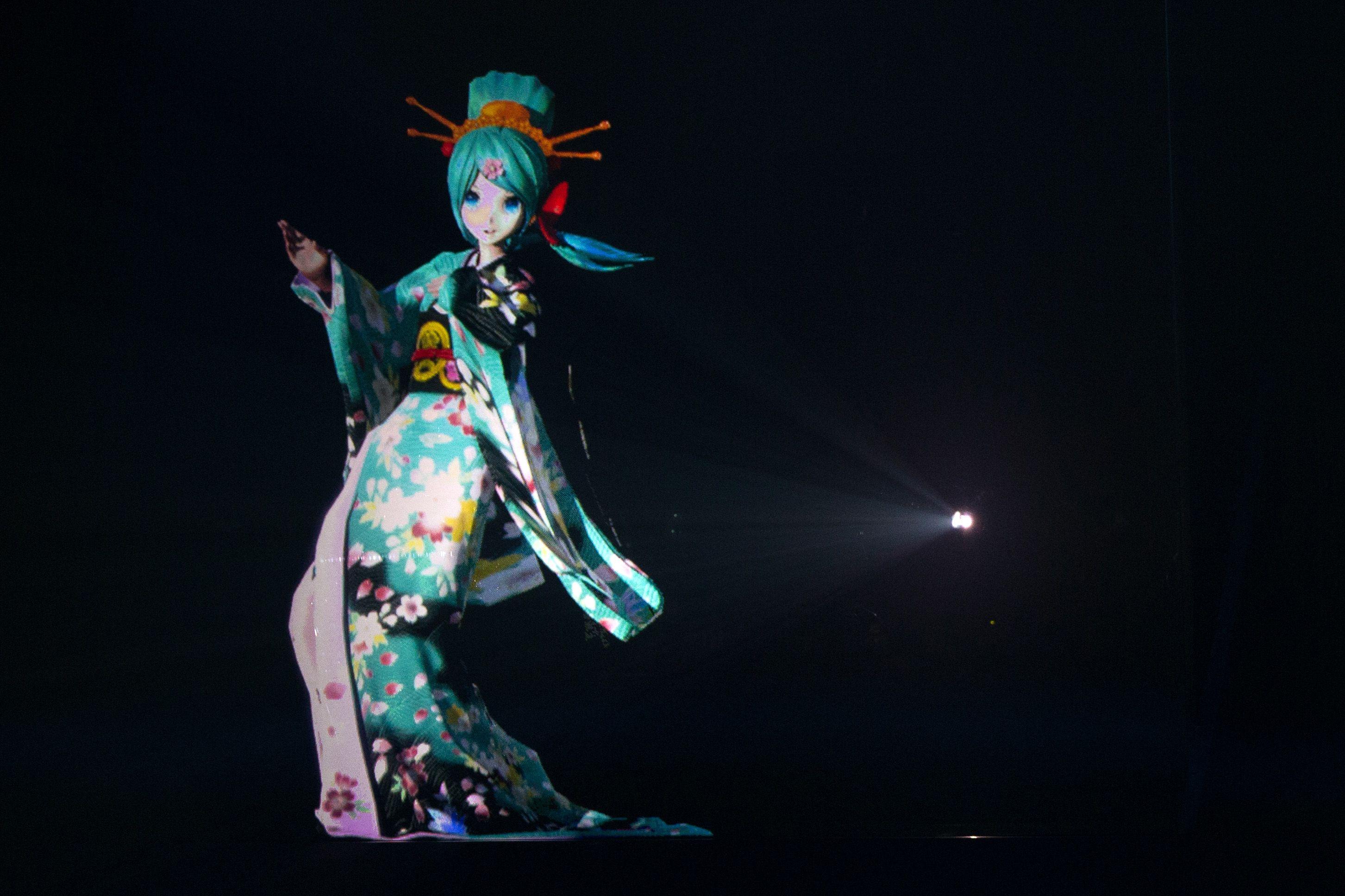 Hatsune Miku Holographic Japanese Idol Makes Her Coachella Debut Hatsune Miku Japanese Pop Miku