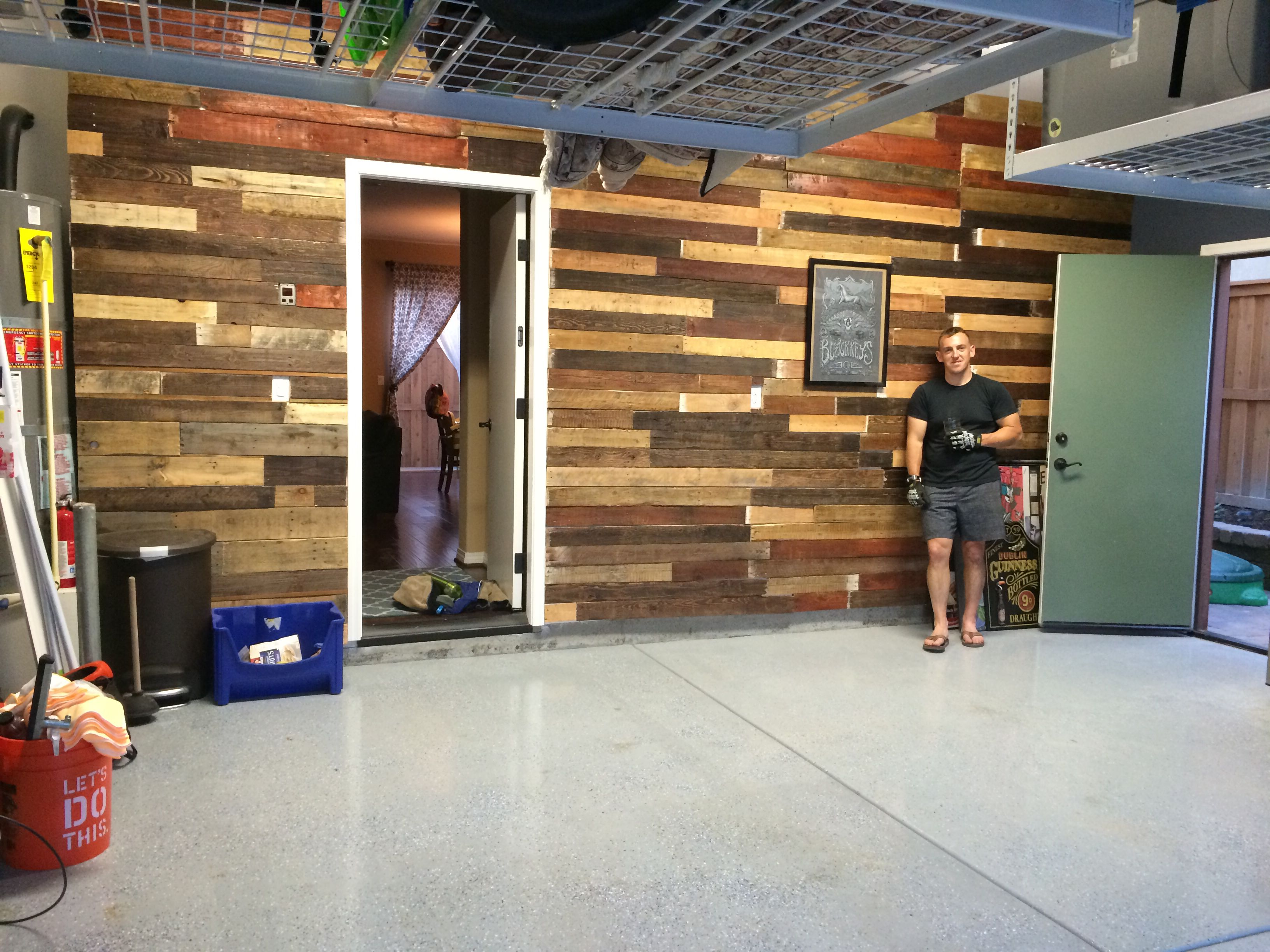 Pallet mobili ~ Garage pallet wall future home pinterest pallets and walls