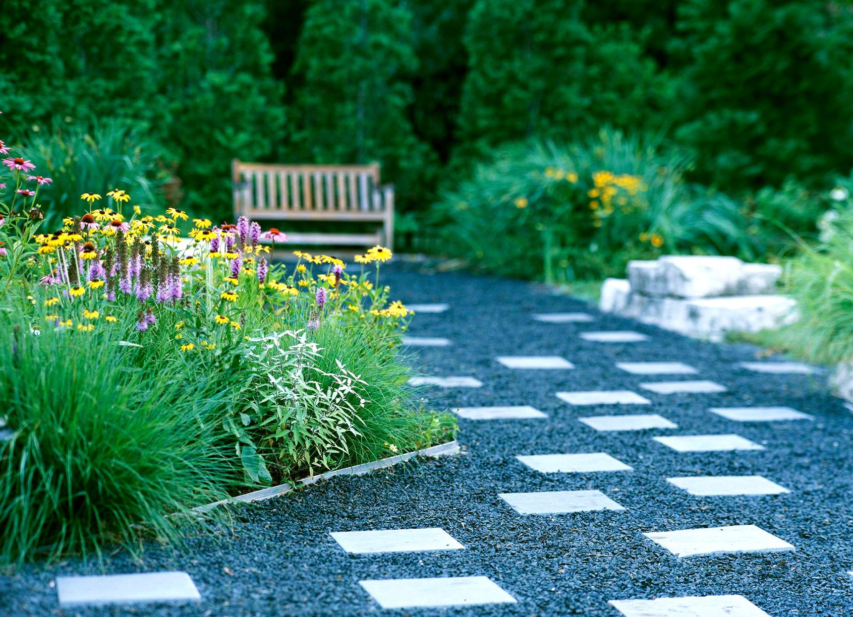 Eye-Catching Ways to Transform Your Front Yard Landscaping ...