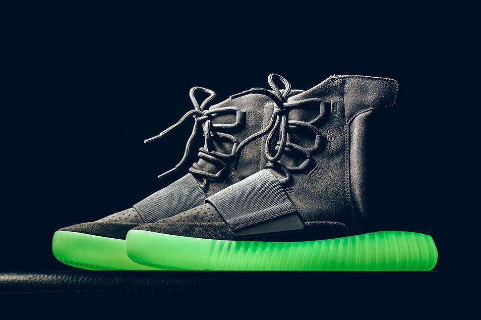 6a441147256 A Glow in the Dark Look at the Yeezy Boost 750