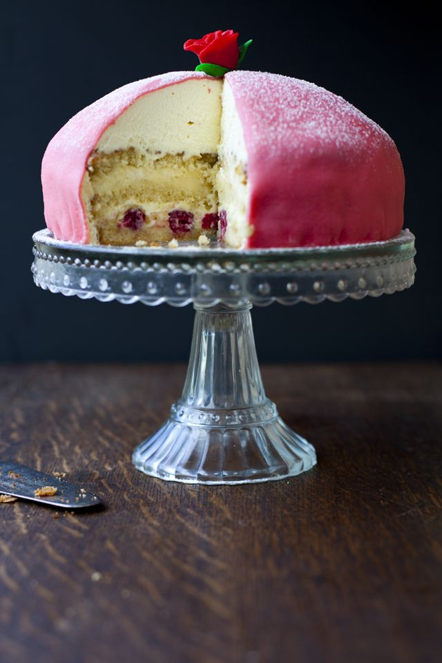 A Swedish Cake Of Nightmares Donalskehan Com Recettes Sucrees Patisserie Bon Gateau