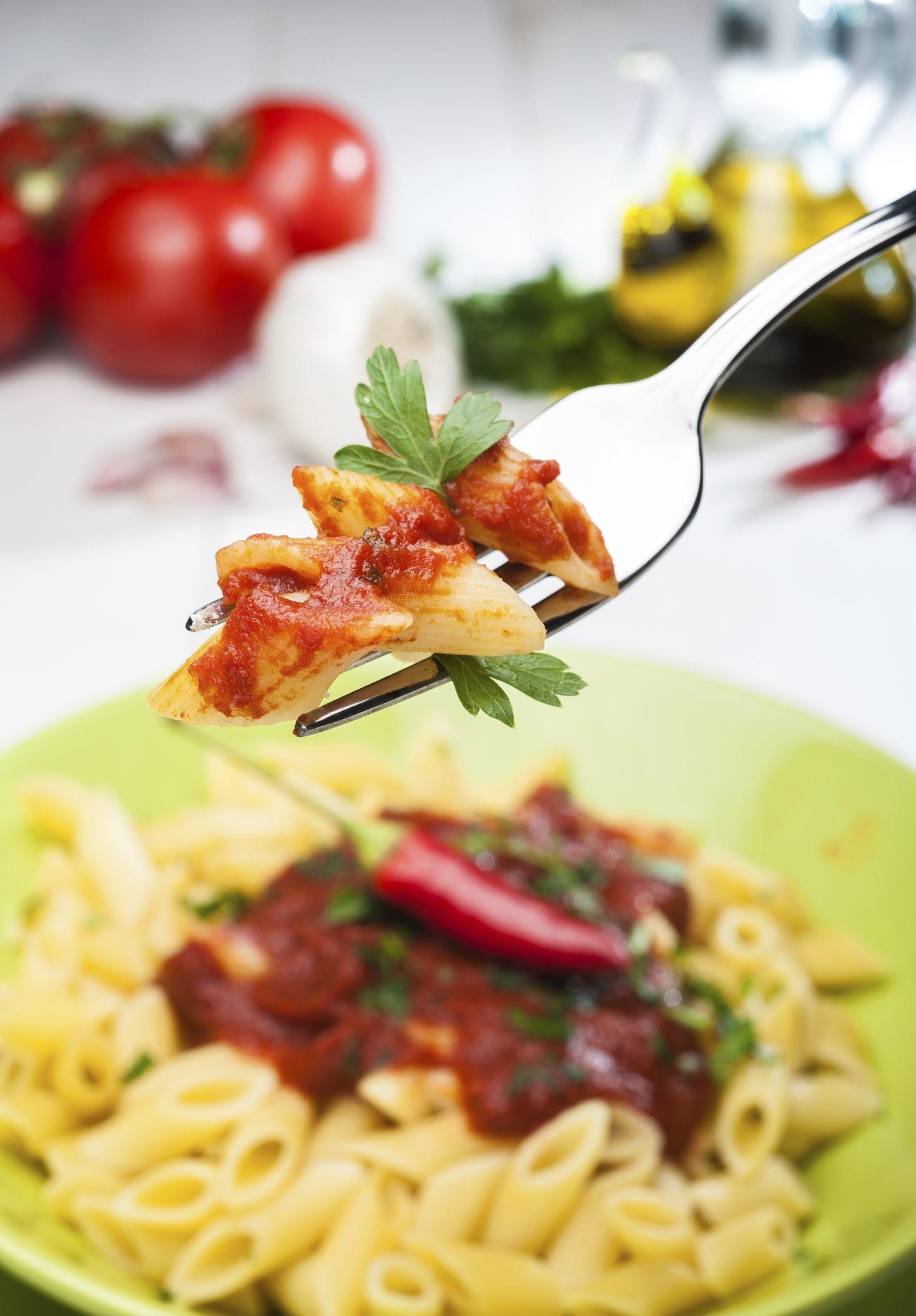 """Una de las formas típicas de preparar la pasta en Roma es """"all'arrabbiata"""" con ajos tomate y toques picantes de guindilla."""