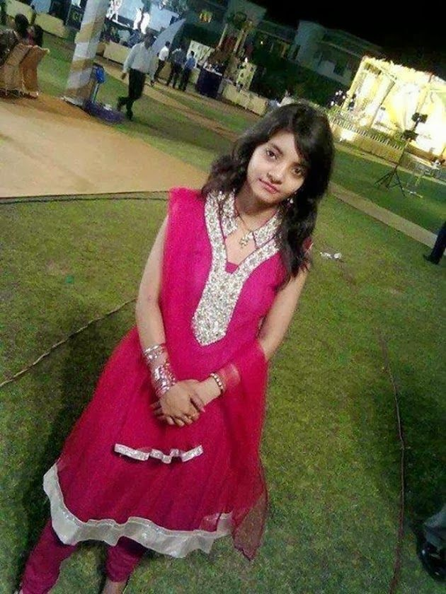 nude-lahore-call-girls