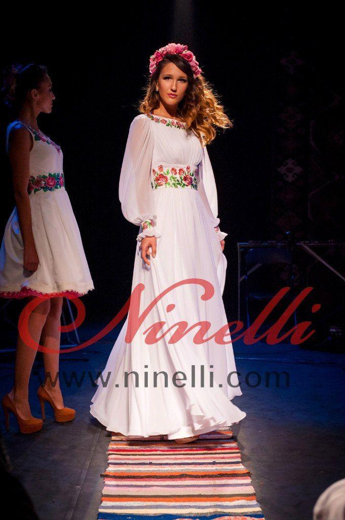 Сукня з вишивкою та шифоном