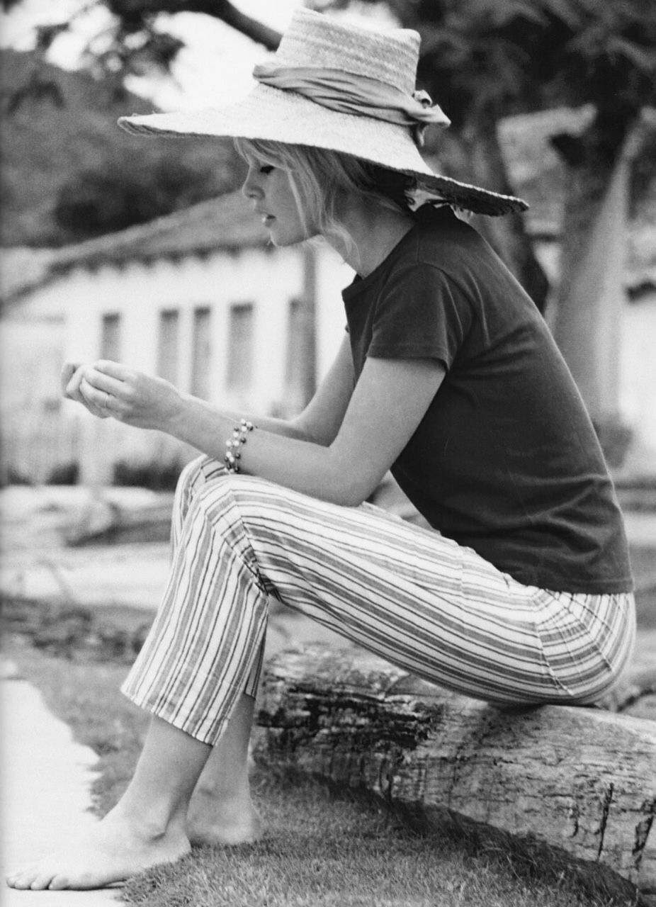 Brigitte bardot | Barefootin' | Bridgitte bardot, Brigitte