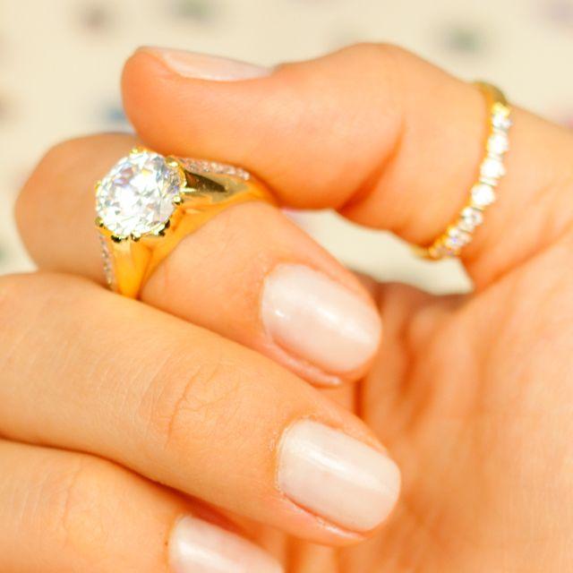 Super na moda fazer um mix de anéis. Aposte nessa tendência!  #photo #rings #aneis #dabrasileira #must have