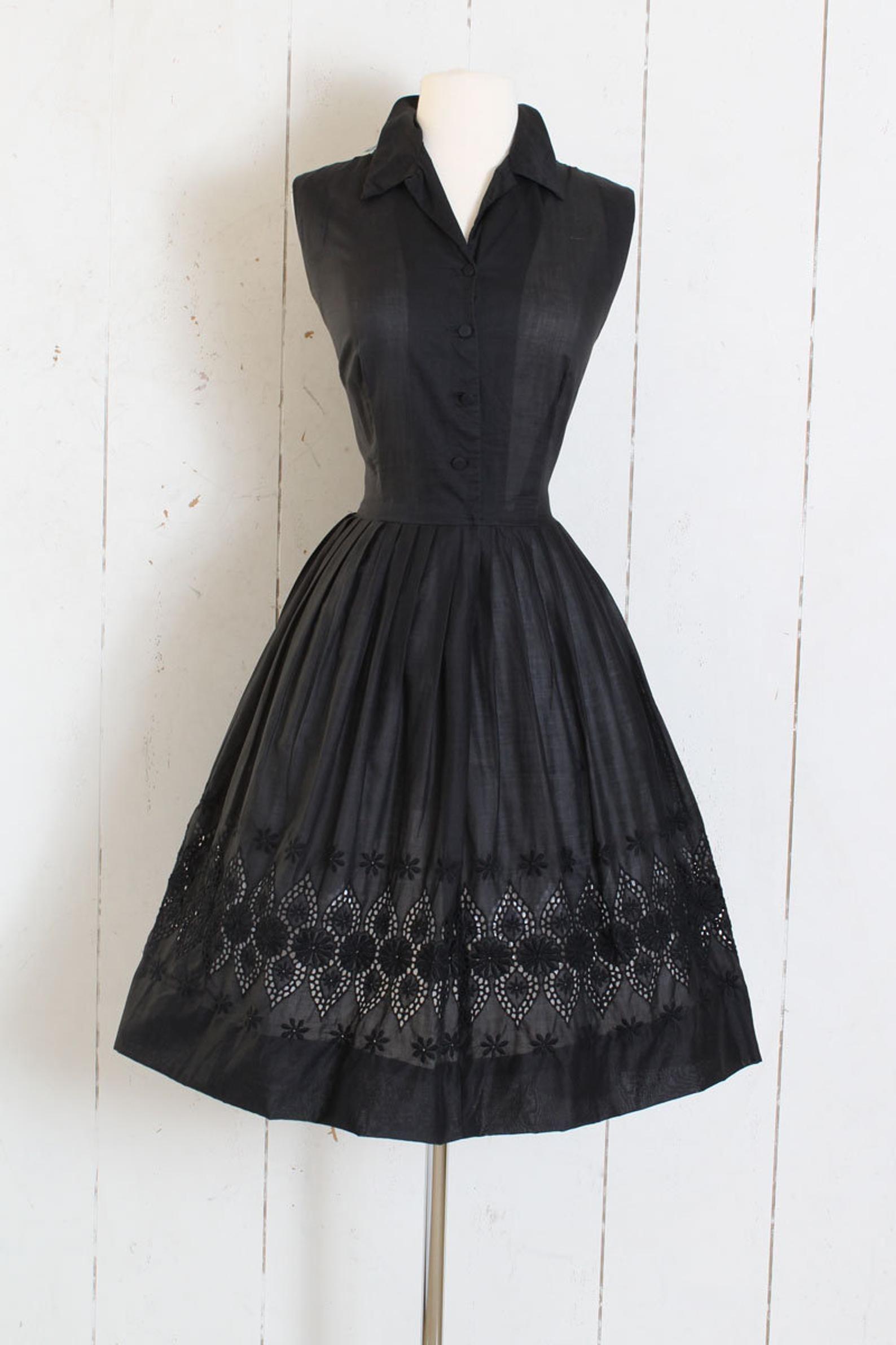 Vintage 1950s Dress Vintage 50s Black Eyelet Embroidered Etsy Vintage Dresses Vintage 1950s Dresses Vintage Black Dress [ 2382 x 1588 Pixel ]