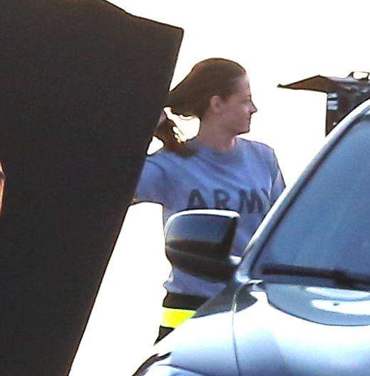 Novas Fotos De Kristen Stewart Gravando Camp X-Ray Nos Dias 17 E 19 De Julho