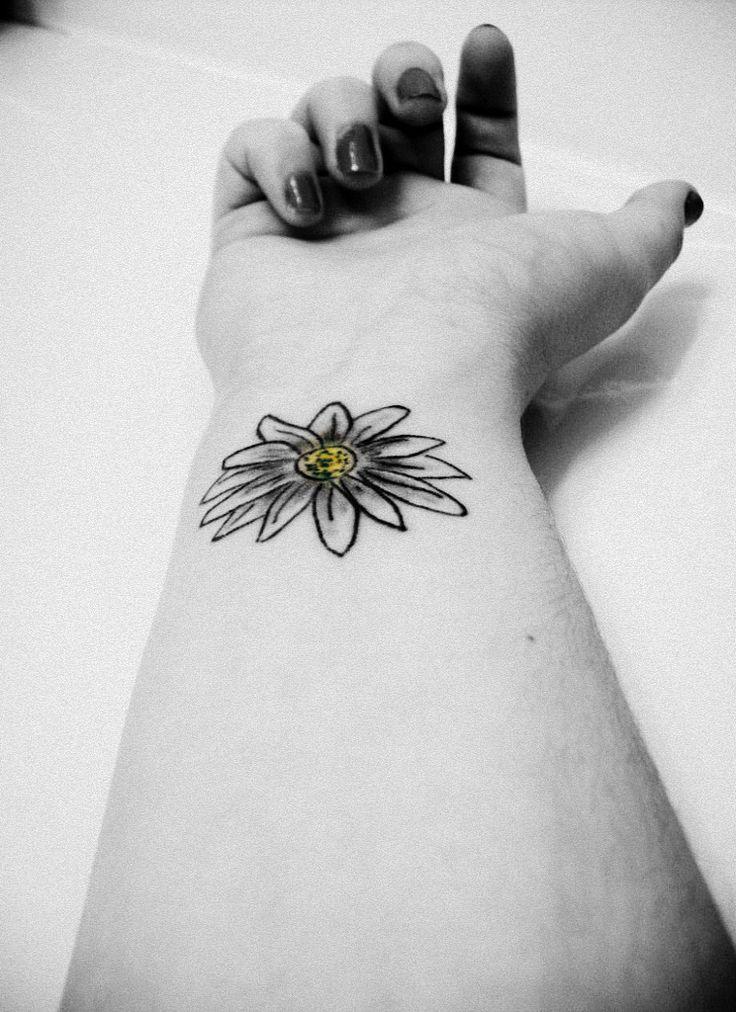 Pretty Daisy Tattoo: Black And White Daisy Tattoo On Girl Wrist