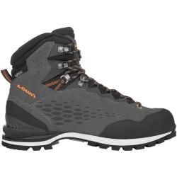 Photo of Mountaineering boots & mountaineering boots