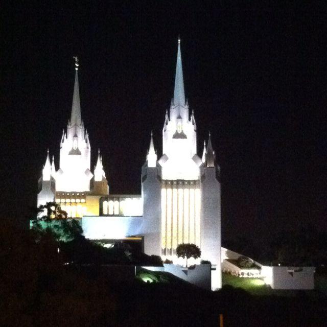 Mormon Temple (Visitar 1 vez al mes)