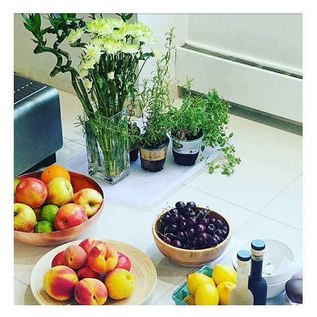 ...just taking a break and came across a photo shoot. Found a lot of my favorite things lying around. #kattsfaves #delonghieveryday #foodlover #plantlife #vino #iCook #photostudio #kitchentools #instagood #props #stager #photography #foodie #fruit  Yummery - best recipes. Follow Us! #kitchentools #kitchen