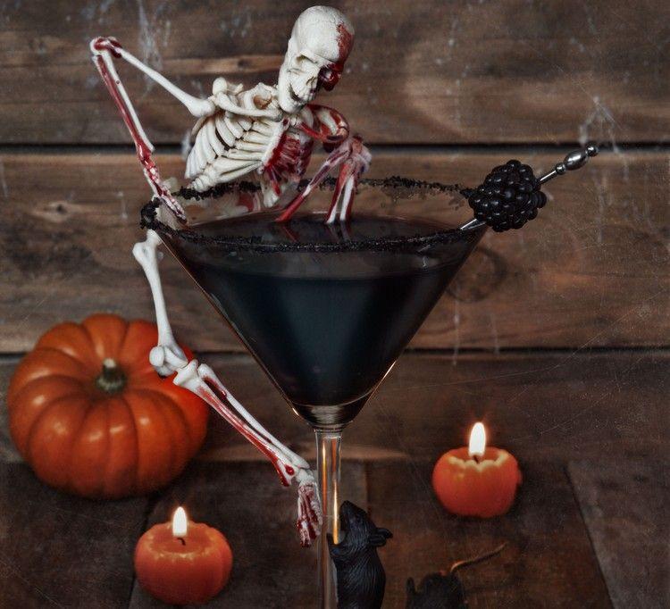 Halloween Getränke cocktails-gruselig-dekorieren-schwarz-skelett ...