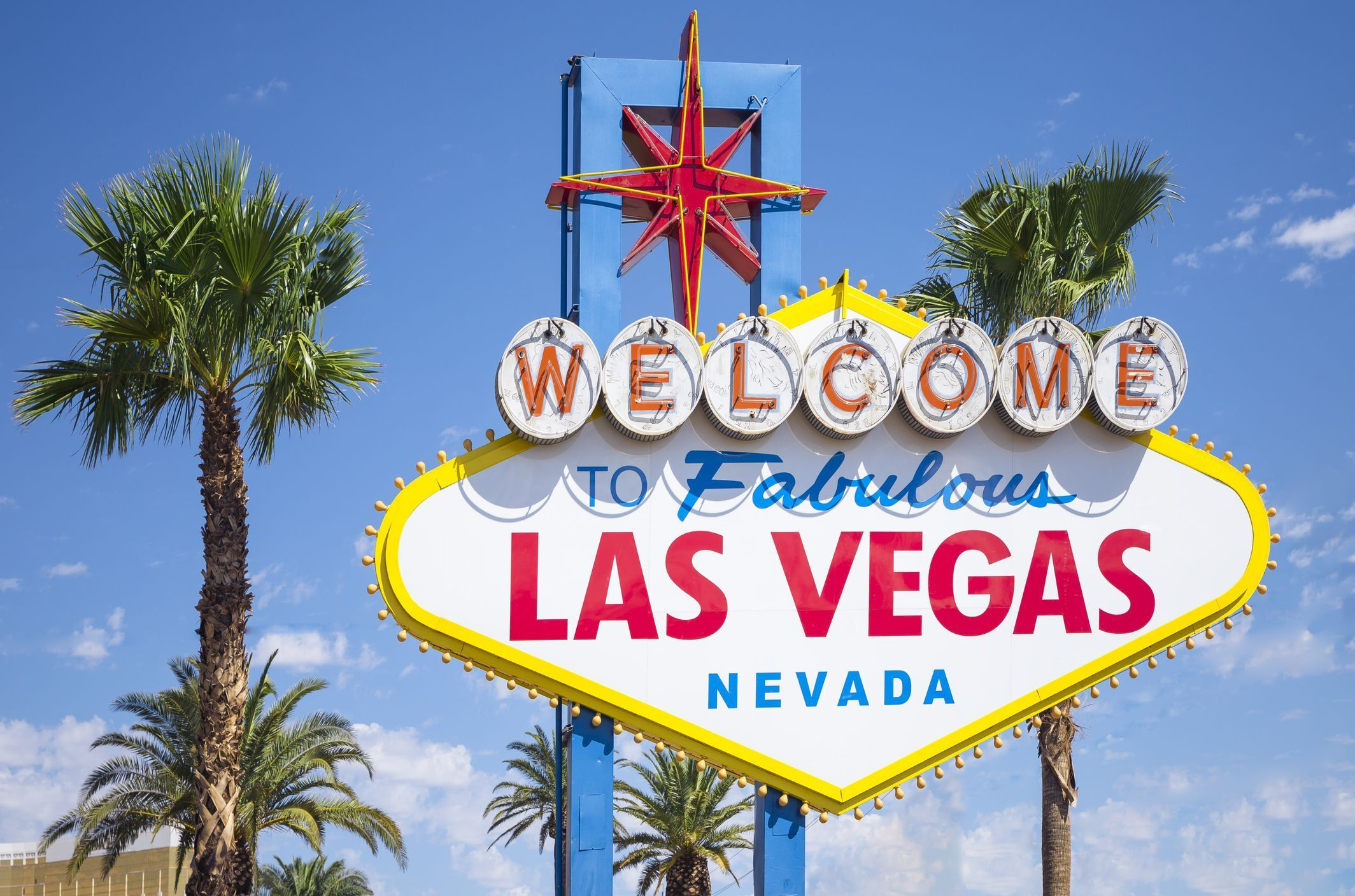 How to travel from denver to las vegas by bus car and