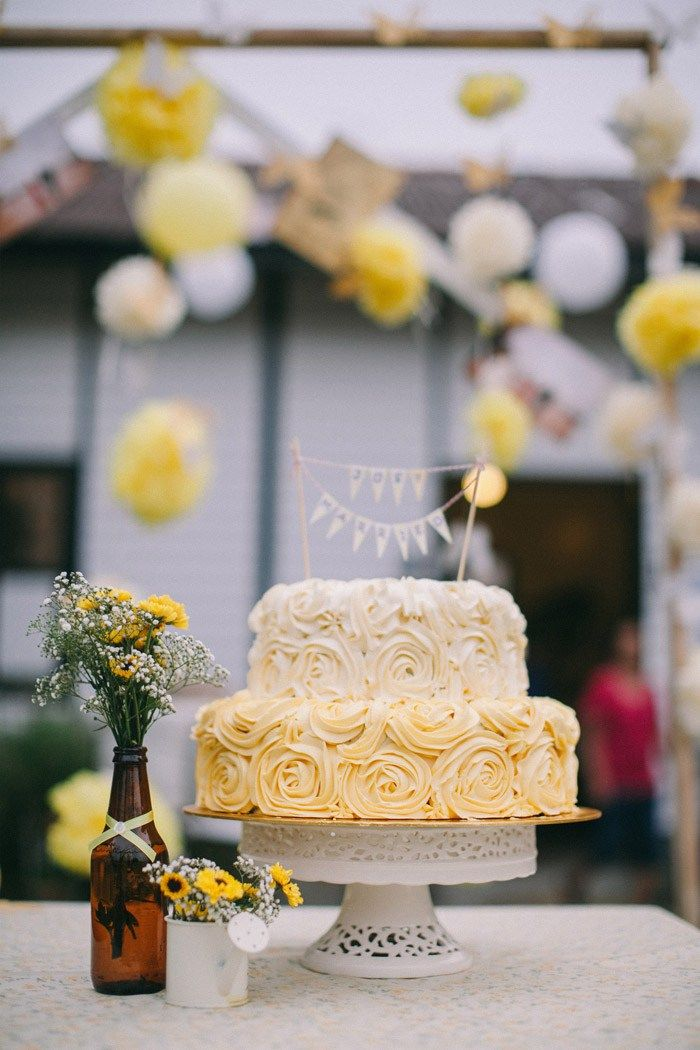 wedding bakeries in sacramento ca%0A A Yellow Country Vintage Wedding At LOTTA Caf    Muar
