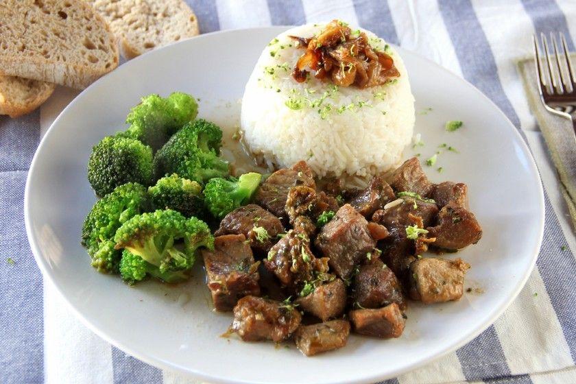 Korma de pollo en olla de cocción lenta: el delicioso pollo al curry con la salsa más melosa y aromática