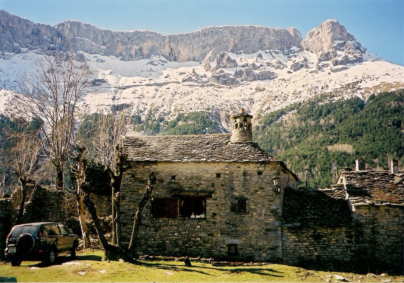 Castillo de Acher.Pirineos.Spain .