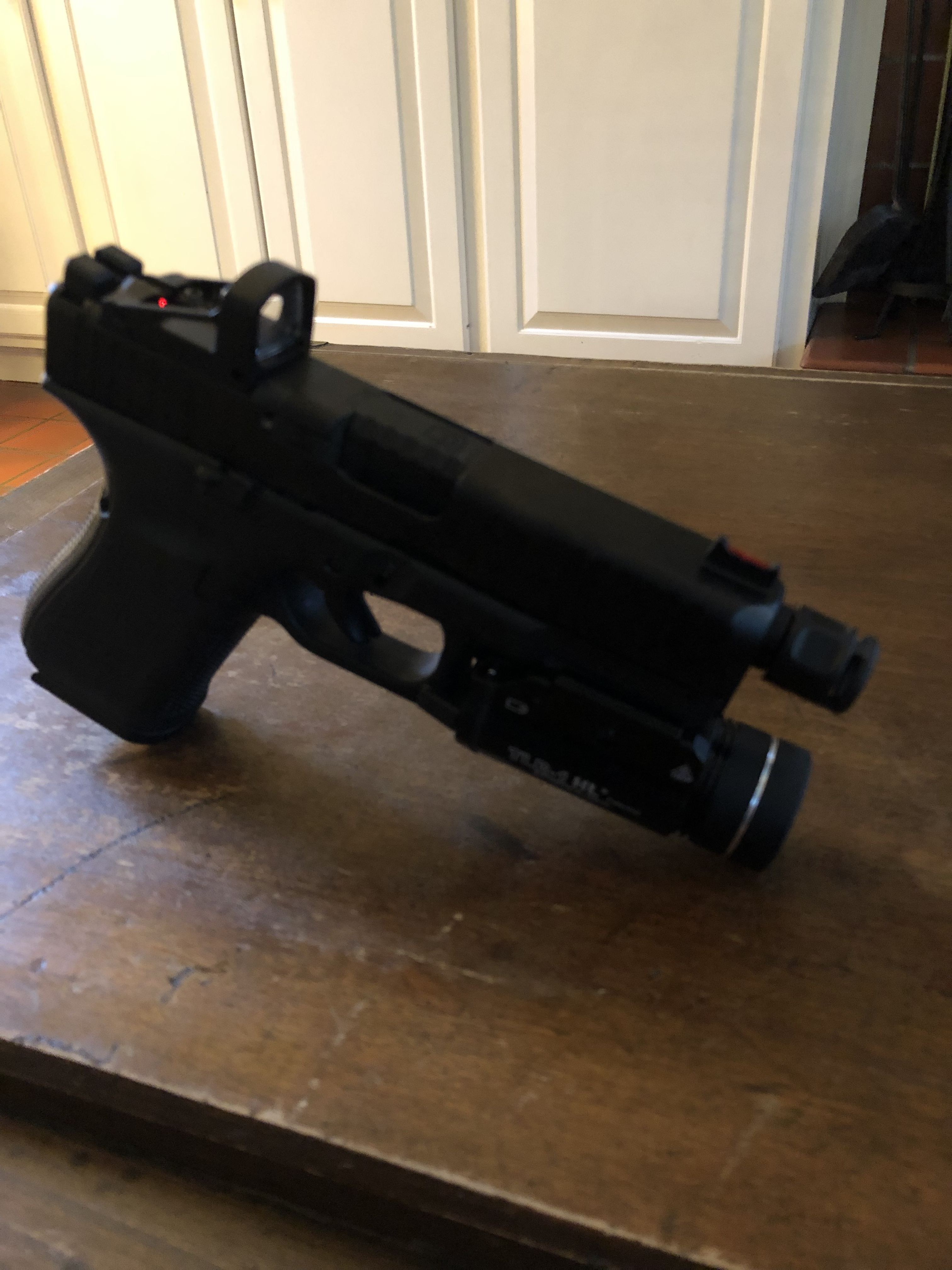 Glock 19 Gen 5MOS FS  Shield RMS with shield mounting plate