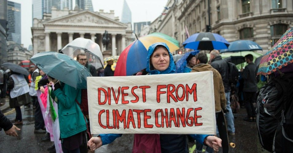 Mayors Of 12 Major Global Cities Home To 36 Million People Make Unified Fossil Fuel Divestment Pledge Commo In 2020 Pension Fund European Investment Bank Global City