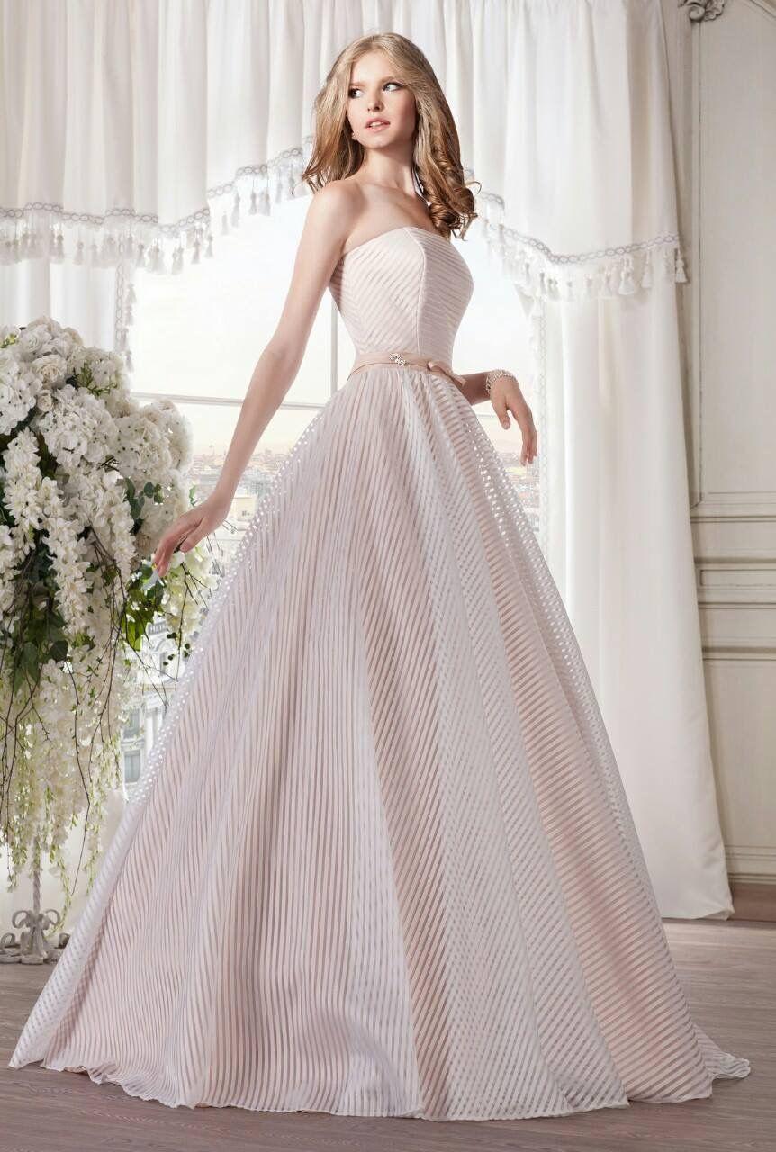 Zarte Pastelltöne sind ein Trend 2018 | Die schönsten #Brautkleider ...