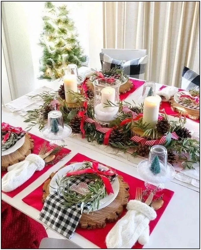83 Hottest Christmas Table Decorating Ideas For You Page Traditional Christmas Decorations Christmas Table Decorations Centerpiece Christmas Table Decorations