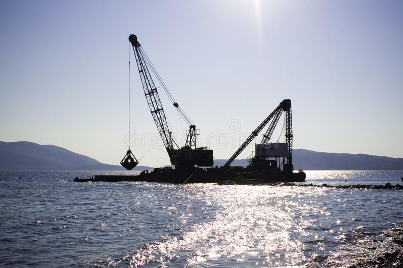 Floating crane Working in the morning light
