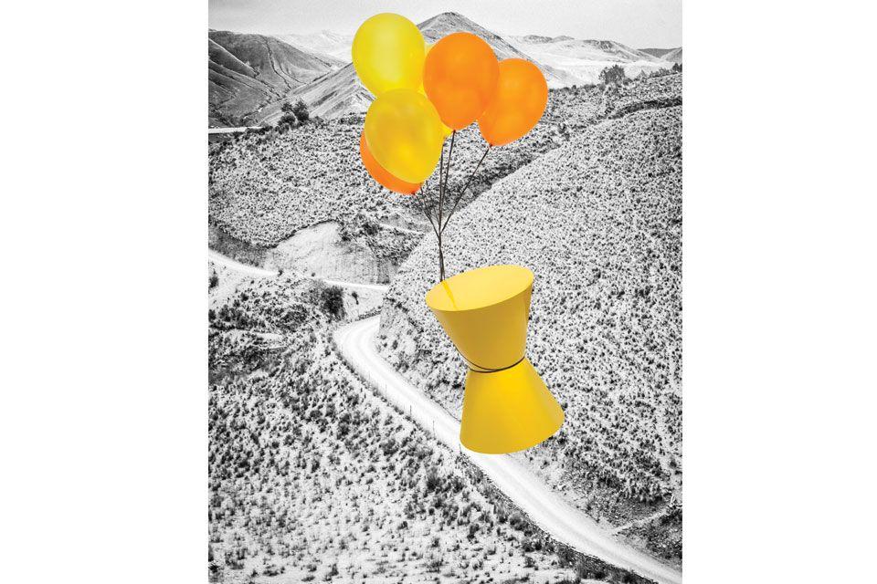 Taburete 'Sabbia' de madera con terminación de laca amarillo brillante. Sencillo y vibrante, puede funcionar también como mesa auxiliar ($5.300, Modo Casa).  /Guillermo Giménez