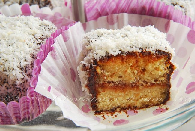 THE AUSTRALIAN LAMINGTONS with marmelade and coconut
