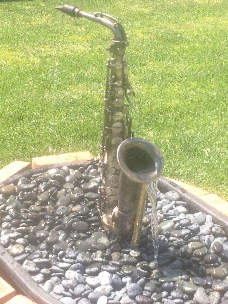 Traditional Sax Fountain 1000 In 2020 Unique Garden Art Unique Gardens Garden Art