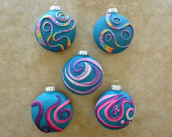 These beautiful flattened sphere ornaments add a chic touch to your holiday decor. Polymer is sturdy for many years of wear and is covering a