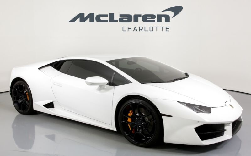 2016 Lamborghini Huracan Lp 5802 2016 Lamborghini Huracan Bianco Monocerus With 21725 Miles Available Now Lamborghin Lamborghini Huracan Lamborghini Lambo