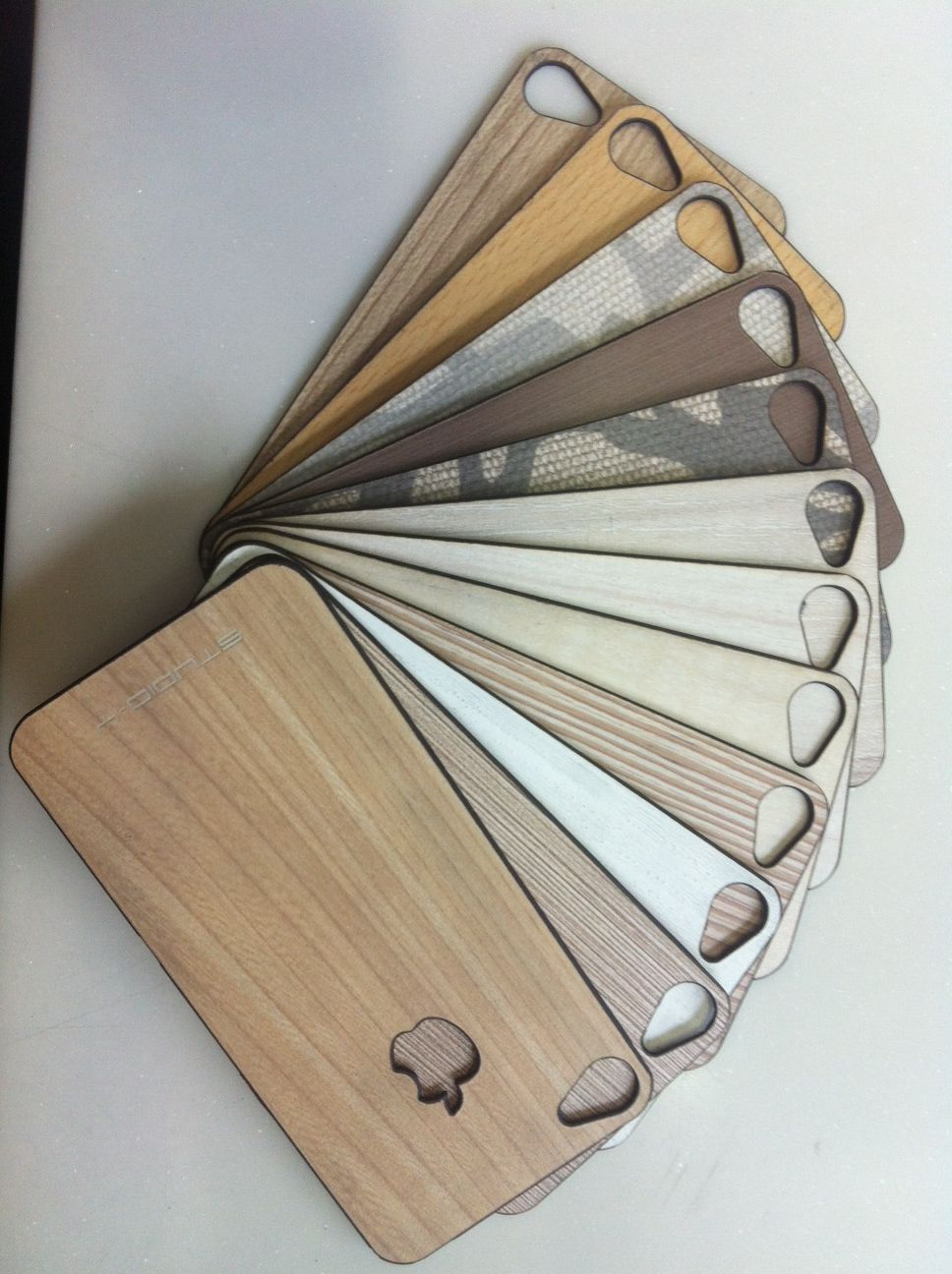 iphone wooden back....  Rs. 550/- only