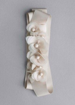 9b212245e799 Vera Wang Champagne Floral Vw370014 Sash 29% off retail | Wedding ...