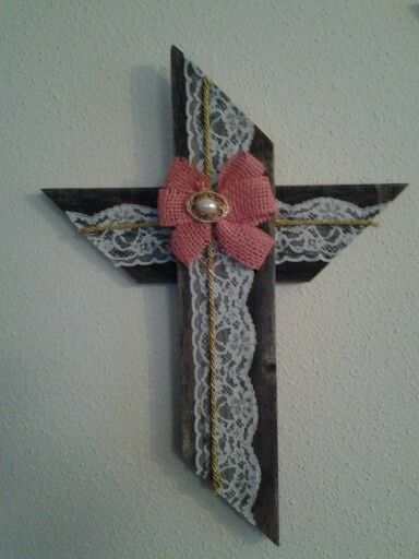 Natural and lace cross
