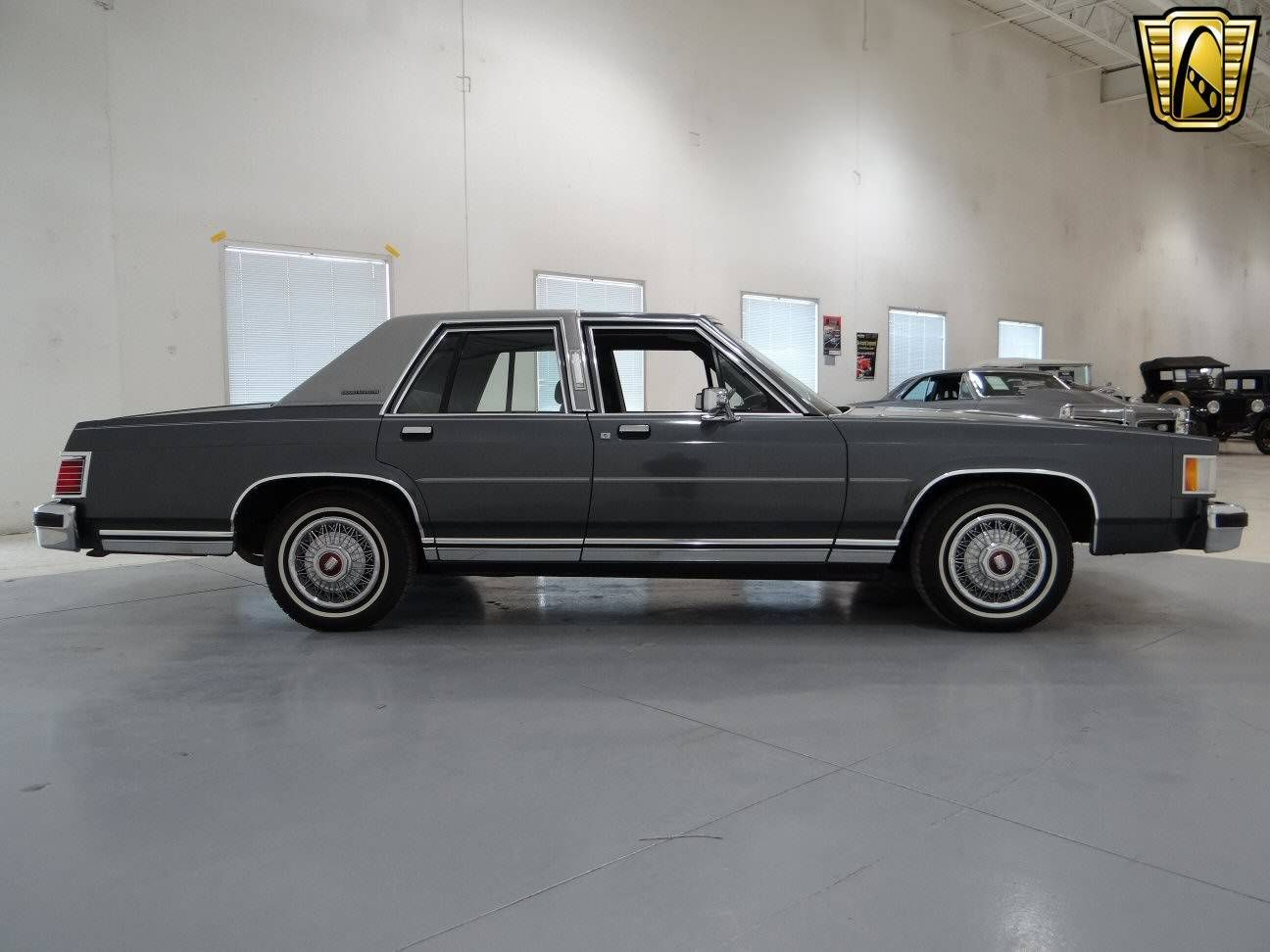 1987 mercury grand marquis sedan