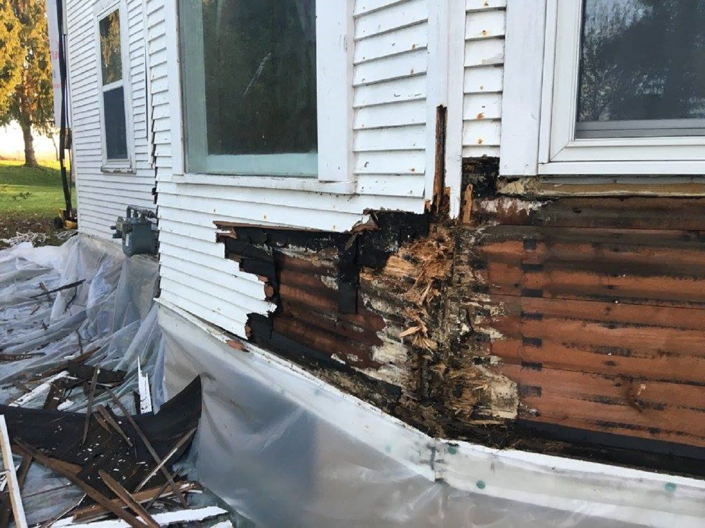 6 Signs Your Wood Siding Needs Replacement In 2020 Wood Siding Siding Wood