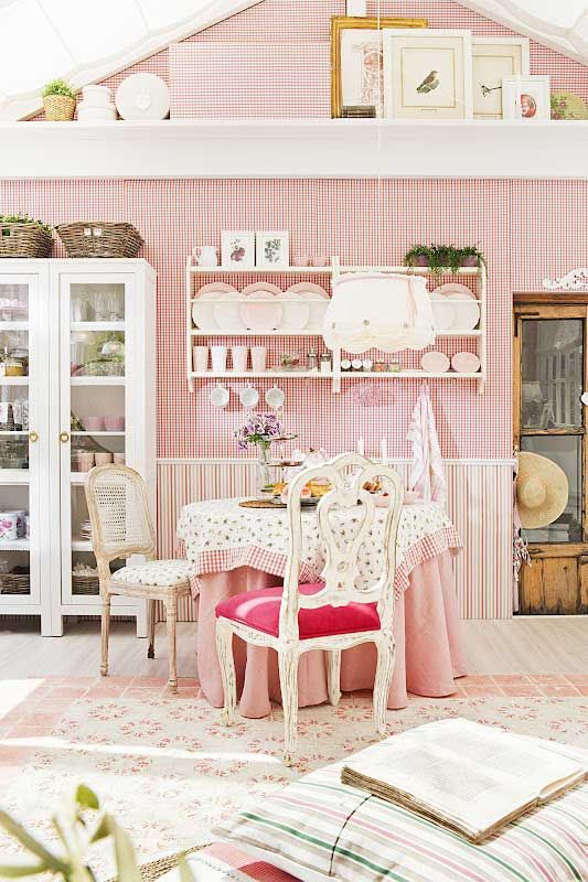 Living Beautifully: Some Gorgeous Rooms | Country Style Home ...