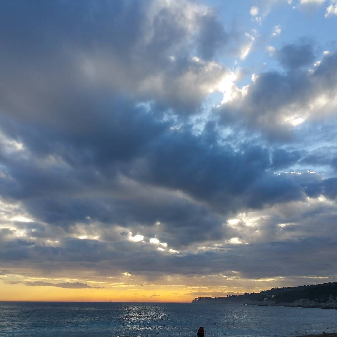 #cassis#provence#sud#soleil#sun#mer#sea#clood#nuage#wonderfull#merveilleux#paris#france#japon#japonais#bead#perle#bronze#instamoment#instalike#instalove#instaphotography#instaphoto#kawaii#animals#food#tatagiboule