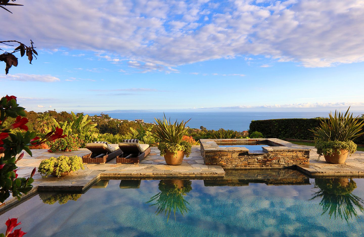 Luxury Home Pool With Ocean View Luxury Real Estate Marketing Luxurious Backyard Luxury Real Estate