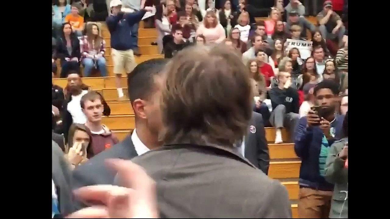 Un photographe agressé par un agent de sécurité de Trump lors d'un meeting